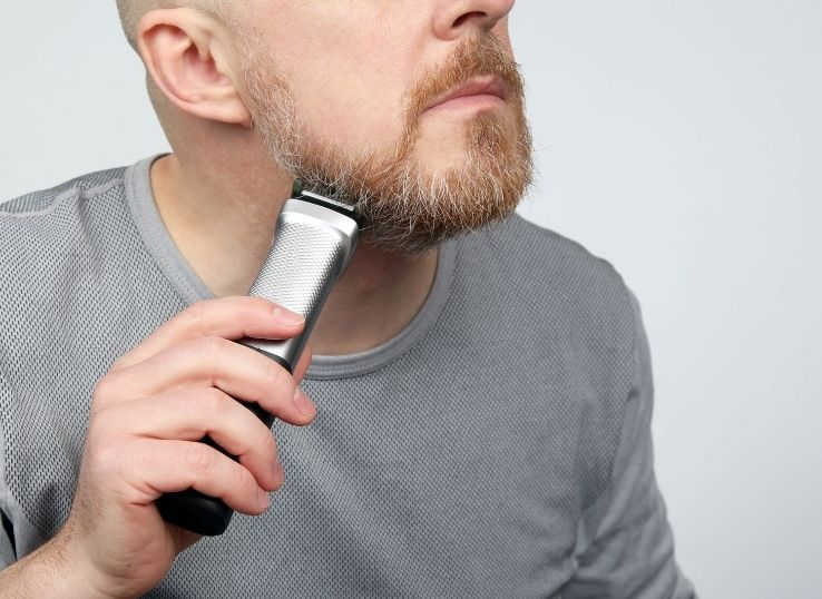 How to clean beard trimmer